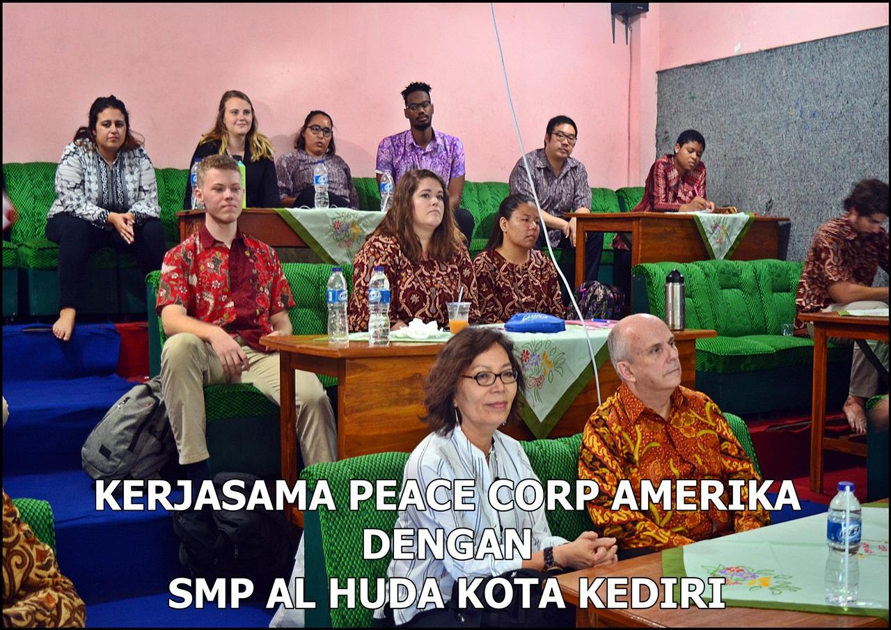 KERJASAMA PEACE CORPS AMERIKA DENGAN SMP AL HUDA KOTA KEDIRI